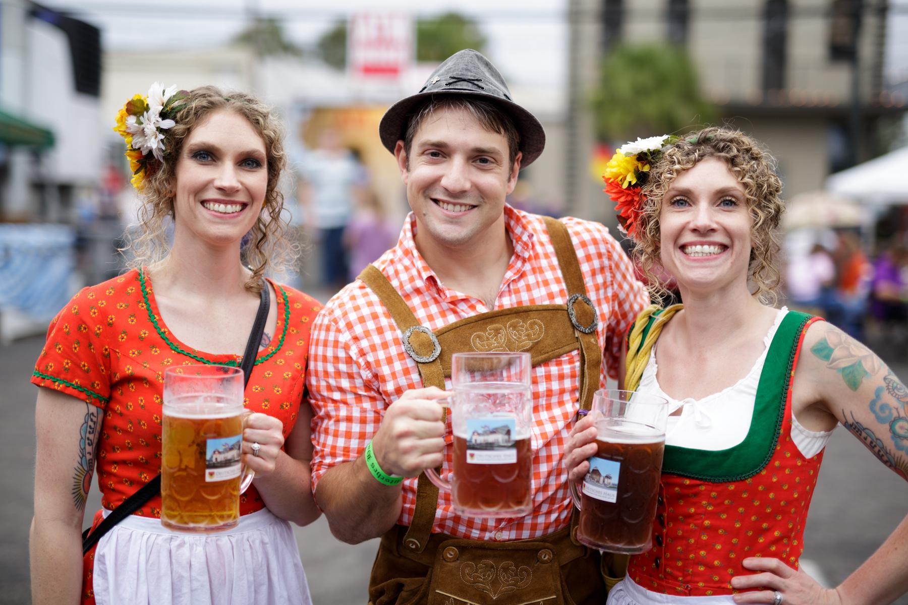 Enjoy Bier and Gemütlichkeit at Oktoberfest 2016