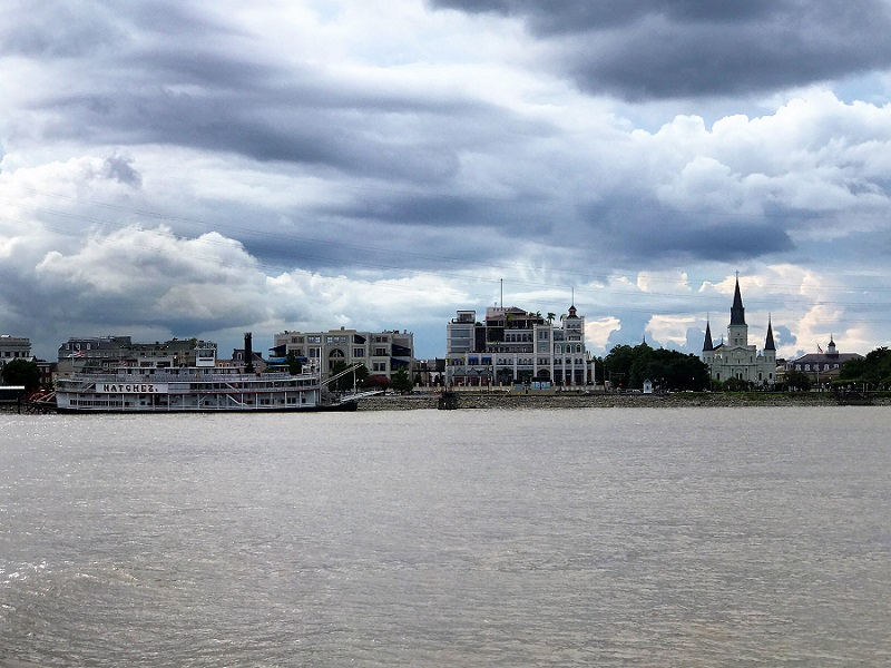 Love Letter to New Orleans from (Someone Who Was Supposed to Be) a One-Night Stand